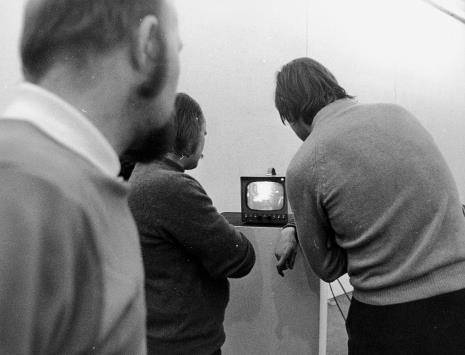 """""""Transmisja telewizyjna"""