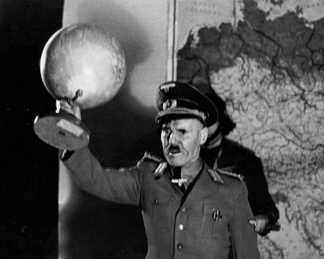 "Spektakl ""Kariera Adolfa Hitlera"