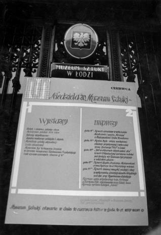 """Plakat reklamujący imprezę """"Niedziela w Muzeum sztuki"""