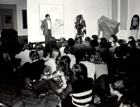 Tadeusz Kantor ze studentami