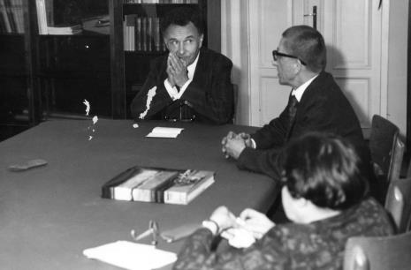 Konferencja prasowa i spotkanie z Pierre Descquarges, dyrektorem Radiofonii Francuskiej, od lewej Pierre Descquartes i dyr. Ryszard Stanisławski