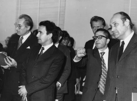 Od prawej Tadeusz Kaczmarek (Minister Kultury i Sztuki) i dyr. Ryszard Stanisławski