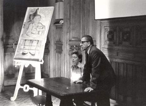 Dyr. Ryszard Stanisławski podczas wykładu w sali odczytowej ms