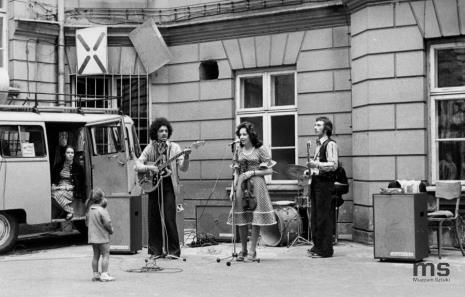 Koncert zespołu Vis a Vis z ZPB im. Obrońców Pokoju