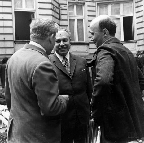 Od lewej x, Ryszard Brudzyński, red. Jerzy Katarasiński (Odgłosy)