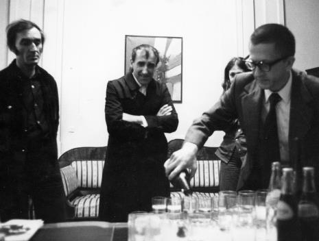 Spotkanie w gabinecie dyr. Ryszarda Stanisławskiego, od lewej Wiesław Borowski, Tadeusz Kantor, dyr. Ryszard Stanisławski
