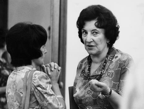 Z prawej dyr. Krystyna Kondratiuk (Centralne Muzeum Włókiennictwa w Łodzi)
