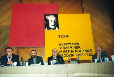Od lewej dyr. Fritz Bless (Van Reekum Museum Apeldoorn), dr Piotr Piotrowski, prof. Andrzej Turowski (Uniwersytet w Djion), dyr. Jaromir Jedliński (ms)
