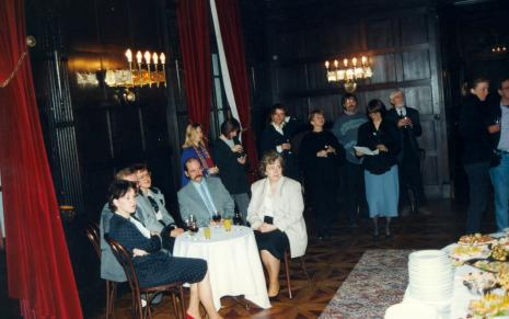 Uczestnicy bankietu w sali balowej Muzeum Pałacu Herbsta
