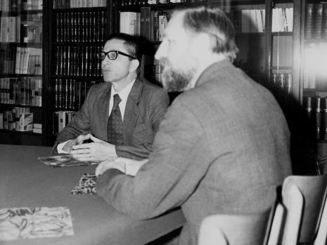 Koknferencja prasowa w czytelni biblioteki Działu Dokumentacji Naukowej, dyr. Ryszard Stanisławski i Andrzej Strumiłło