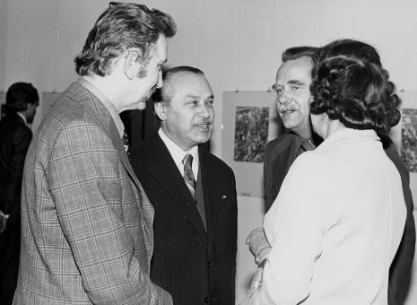 Od lewej Mieczysław Pracuta (konserwator miejski), Mieczysław Potemski (Dział Sztuki Obcej), Ryszard Brudzyński (wicedyrektor ms), dyr. Zbigniew Jabłoński (Biblioteka PAN w Krakowie), x