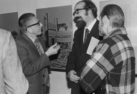 Dyr. Ryszard Stanisławski, Wojciech Ekiert (dyrektor Wydziału Kultury RN m. Łodzi), malarz Jan Łukasik