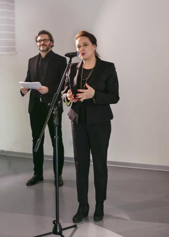 Od lewej dyr. Jarosław Suchan (ms), Jolanta Rudzka Habisiak (rektor ASP w Łodzi).