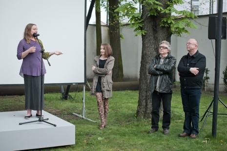 Przy mikrofonie Ewelina Chmielewska.