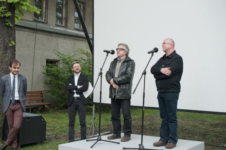 Od lewej Daniel Muzyczuk (komisarz wystawy, kierownik Działu Sztuki Nowoczesnej), dyr. Jarosław Suchan (ms), Adam Klimczak (Galeria Wschodnia), Jerzy Grzegorski (Galeria Wschodnia).