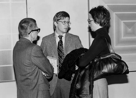Od lewej dyr. Ryszard Stanisławski, R. Williams (zastępca attache prasowego ambasady USA), x