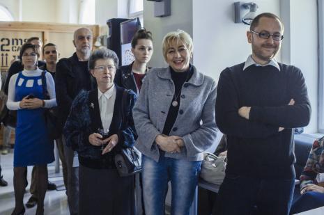 Z prawej Adam Jurek (Dział Promocji).