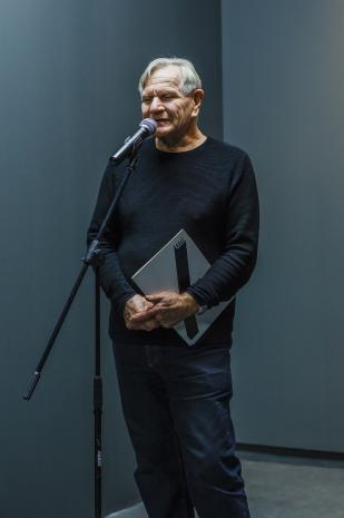 Józef Robakowski przedstawia sylwetkę Cezarego Bodzianowskiego.