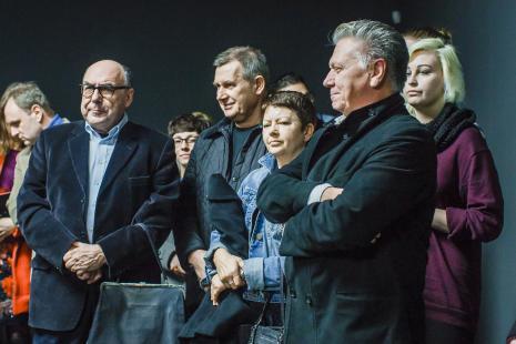 Publiczność, w środku Piotr Dzięcioł (Opus Film), z prawej Dariusz Bieńkowski (kolekcjoner dzieł sztuki).