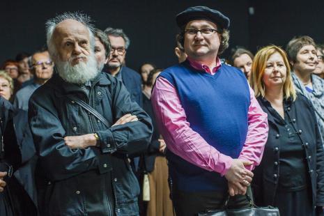 Od lewej Ryszard Kuba Grzybowski, laureat Nagrody im. Katarzyny Kobro Cezary Bodzianowski, Maria Morzuch (Dział Sztuki Nowoczesnej).