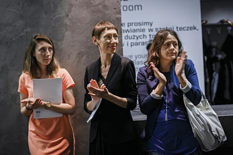 W środku Małgorzata Ludwisiak (zastępca dyrektora ds. promocji i upowszechniania), Aneta Dalbiak (ms)