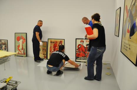 Montaż wystawy, fot. Maria Gonera