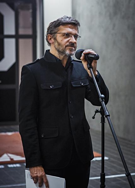 Dyr. Jarosław Suchan na otwarciu wystawy. Fot. Anna Taraska-Pietrzak