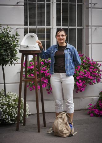 Dada piknik - publiczności portret z pisuarem