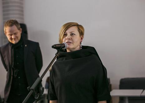 Joanna Malinowska,l w głębi C.T. Jasper