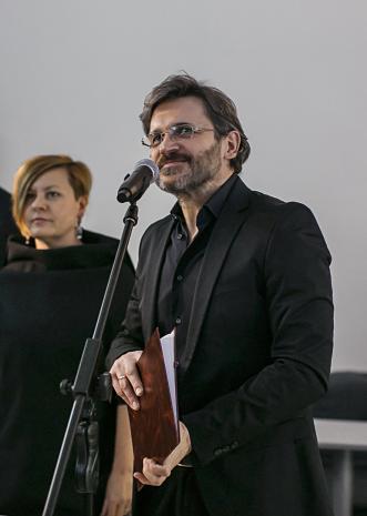 Dyr. Jarosław Suchan (ms), w głębi Joanna Malinowska