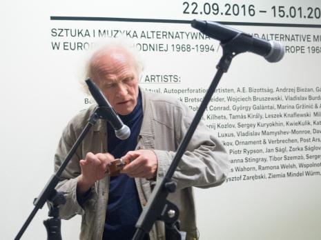 Występ Vladimira Tarasova podczas otwarcia wystawy