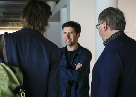 Kurator wystawy Vít Havránek, z prawej Paweł Polit (Dział Sztuki Nowoczesnej)