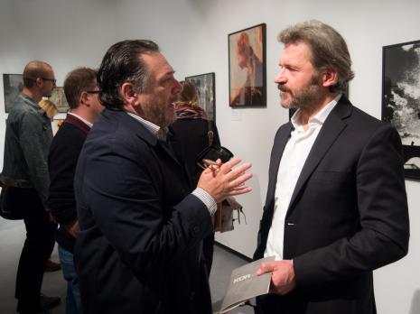 Na pierwszym planie Andrzej Paruzel i dyr. Jarosław Suchan (ms)
