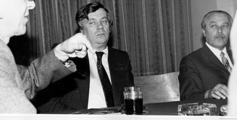 Konferencja prasowa w czytelni biblioteki Działu Dokumentacji Naukowej, Dieter Hönisch (Nationalgalerie w Berlinie Zachodnim) i Ryszard Brudzyński (wicedyrektor ms)