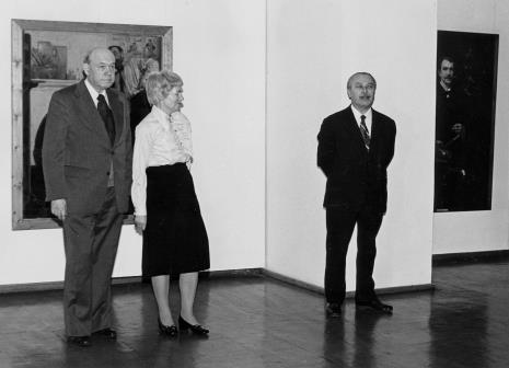 Od lewej Apoloniusz Zawilski (literat), Halina Zawilska (Dział Sztuki Polskiej), Ryszard Brudzyński (wiecedyrektor ms)
