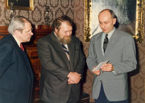 Od lewej, Waldemar Bohdanowicz (Wojewoda Łódzki), Miron Gordon (ambasador Izraela w Polsce), dyr. Jaromir Jedliński (ms)
