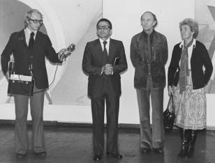 Od lewej red. Wojsław Rodacki (Polskie Radio), dyr. Ryszard Stanisławski, Marcel Meyer, żona artysty