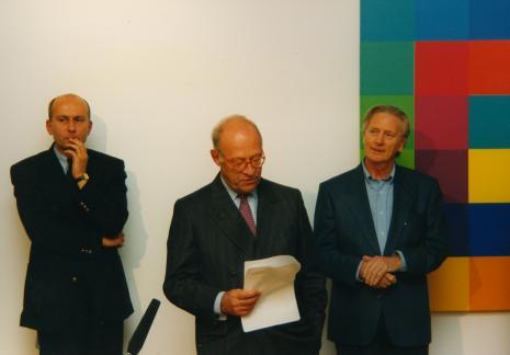 Od lewej dyr. Jaromir Jedliński (ms), Jean-Olivier Quinche (ambasador Szwajcarii), Bryan James (Richard Paul Lhose Stiftung Zürich)
