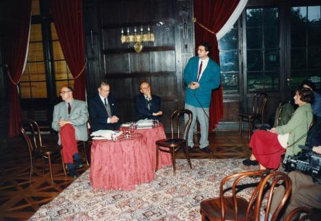 Od lewej Czesław Bielecki, prof. Zygmunt Świechowski, dyr. Jaromir Jedliński (ms), Marek Pabich, red. Krystyna Namysłowska (Polskie Radio)