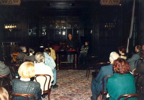 Publiczność na spotkaniu z Józefem Henem