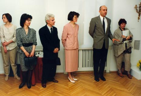 Od lewej Anna Ładniak (Dział Promocji), Anna Łopieńska z mężem, kuratorka wystawy Dorota Berbelska (ms), dyr. Jaromir Jedliński (ms), red. Magda Olczyk (TVP Łódź)