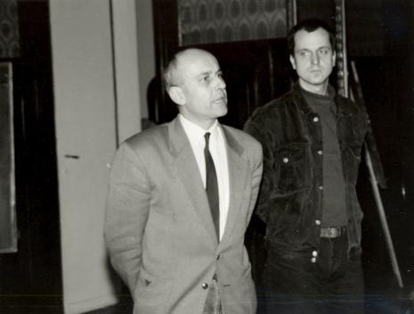 Dyr. Jaromir Jedliński (ms) otwiera spotkanie; z prawej Dariusz Bugalski (Dział Naukowo-Oświatowy)
