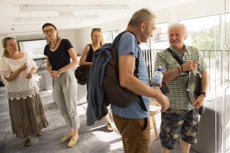 Od lewej Barbara Mokrzycka i Marta Pierzchała (Dział Dokumentacji Naukowej), x, Andrzej Świetlik i Andrzej Makary Wielogórski (Łódź Kaliska)