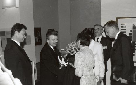 Od lewej Marek Czekalski (Prezydent Łodzi), Andrzej Pęczak (Wojewoda Łódzki), prof. Rita Süssmuth, tłumaczka, dr Jacek Ojrzyński (Dział Dokumentacji Naukowej), ambasador Niemiec