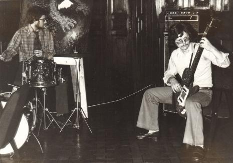 Koncert zespołu Ekspresja. Muzyczno-plastyczna historia jazzu. Temat I