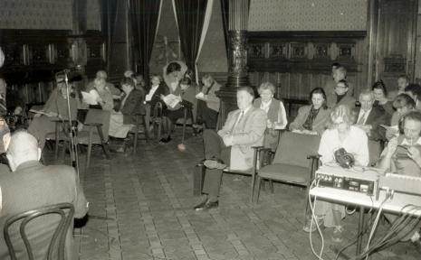 W pierwszym rzędzie od prawej technik, red. Krystyna Namysłowska (Polskie Radio), dyr. Ryszard Czubaczyński (Muzeum Historii Miasta Łodzi)