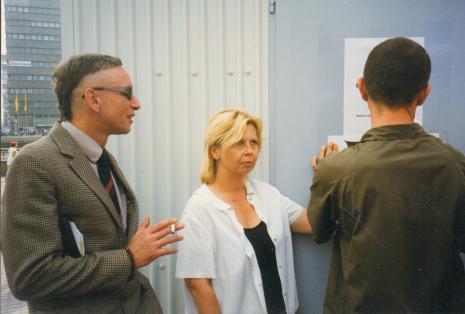 Od lewej Jacek Bieleński, kuratorka wystawy Maria Morzuch (Dział Sztuki Nowoczesnej), Aleksander Honory