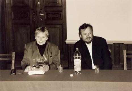 Janina Ładnowska (Dział Sztuki Nowoczesnej) i prof. Piotr Piotrowski