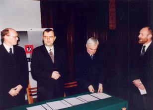 Podpisanie umowy między Ministrem Kultury i Dziedzictwa Narodowego a Wojewodą Łódzkim w sprawie wspólnego prowadzenia Muzeum Sztuki w Łodzi