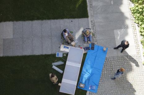 Mobilna pracownia rzeźbiarska - punkt prezentacji sztuki